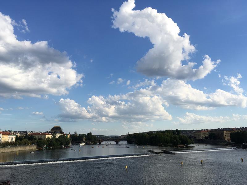 praha_foto_pohled_z_karlova_mostu